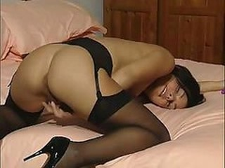 "British Slut Talks Dirty While Playing With Herself"" target=""_blank"