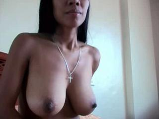 Amateur Big Tits Indian  Natural Nipples Wife