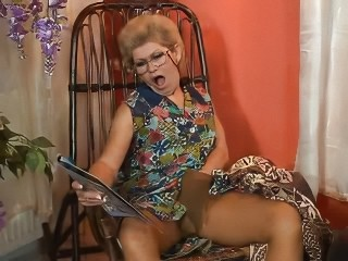 granny effie get assfucked by...