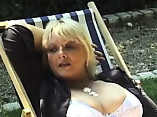 Big Tits Mature Outdoor Vintage