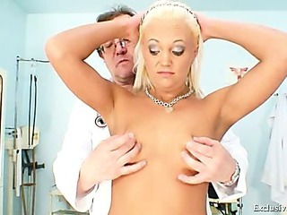 Klara big tits and pussy gyno reflector clinic exam