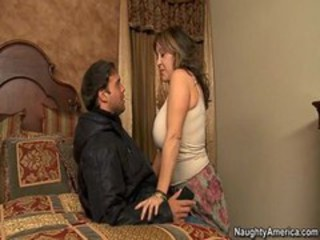 Kandi Cox - Seduced By A Cougar