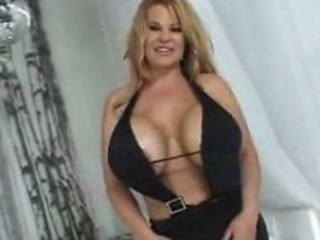 Hot HugeTitted Curvy Cougar Crystal