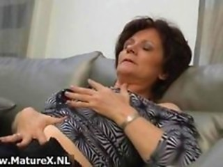 Natural mature wife in sexy black