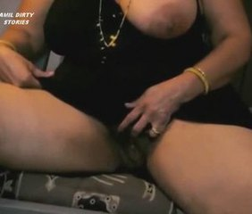 Amateur  Indian Mom Pussy