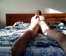 Bed humping and cumming in pantyhose