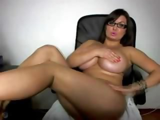Amazing Big Tits Glasses  Natural Solo Webcam