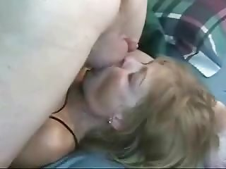 Beauty milf mom mouth fucking
