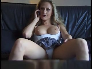Sexy mature bitch getting horny from phonesex