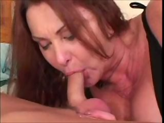 Gtranny shows Her Sex Skills