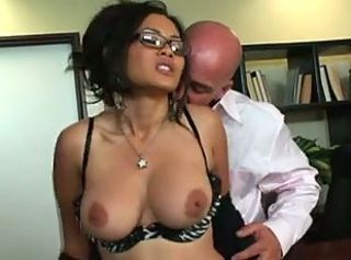 Pounding his secretary& 039;s thick pussy