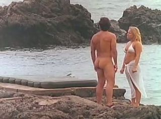 Jenteal fucked in the beach