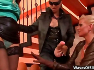 Tarra White fucking her two hot blonde