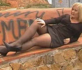 Amateur British Chubby European Legs  Outdoor Public Stockings