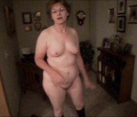 Amateur Chubby Glasses Homemade Mature