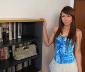Thai Ladyboy Rose solo.