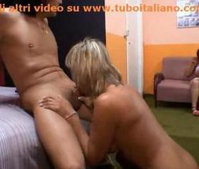 Mother and daughter in an italian amateur vid