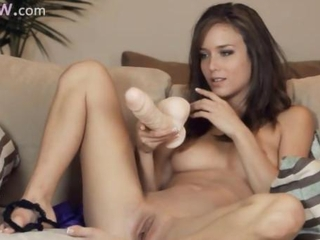 Babe Cute Dildo Shaved Toy
