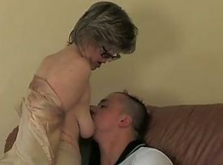 Amateur Glasses Mature Mom Old and Young Russian