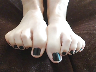 WANK OVER AND TRIBUTE MY FOOT FETISH FEET COMMENT PLS