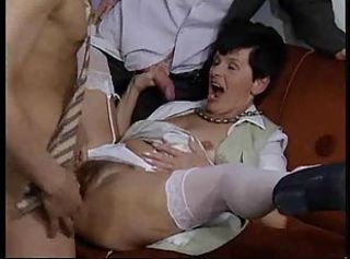 Mature brunette enjoys her hairy twat licking and fucking in theewa...