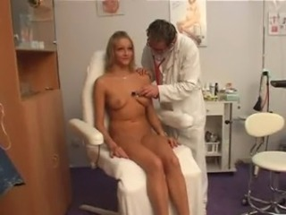 Doctor Makes Patient Cum