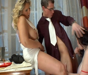 Big Tits Blowjob Groupsex