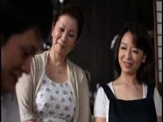 Mom Asian Mature Teen Daughter Old and Young Family