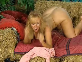 Ass Blonde Farm