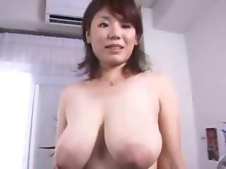 Shoko Goto Has Her Tits Measured