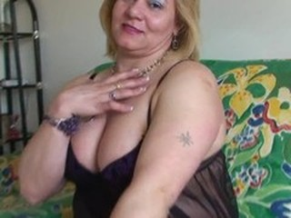 Chubby mature fingering and...