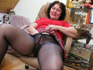 Chubby mature loves masturbating