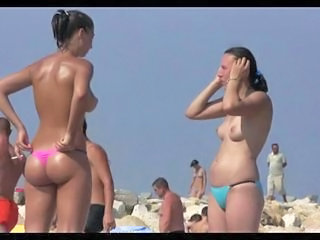 Spying Hot Beach Girls 2...