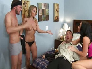 Neighbors enjoy groupsex
