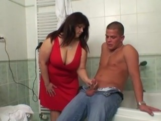 Plump mother-in-law helps him jizz