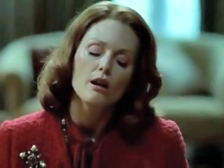 "Julianne Moore giving a handjob"" target=""_blank"