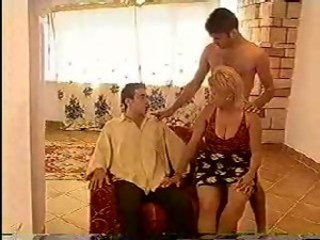 Amateur  Mom Old and Young Threesome