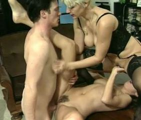 Facesitting  Swingers Threesome