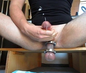 Orgasm alongside ballstretcher