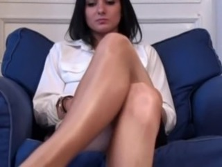 sexy legs in shiny hi gloss pantyhose