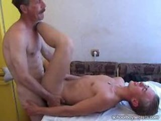 "Mature men fuck young boy"" target=""_blank"