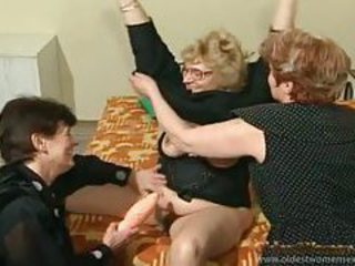 Chubby old ladies do it dirty in a threesome tubes