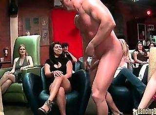 Amateur Girl Gets Huge Jizz Facial from Stripper