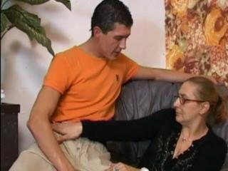 "Anal Granny In Stockings Gets Cum On Her Glasses"" class=""th-mov"