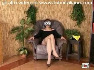 "Matura italiana prima volta in video Italian mature hot solo by tubo72"" class=""th-mov"