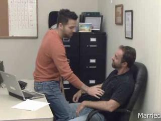"Clog gets cock sucked at office"" class=""th-mov"