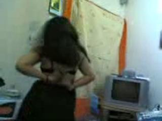 "Egyptian Crazy Girl Show Her Body In Dance "" class=""th-mov"