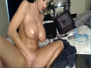 Big Tits Masturbating  Natural Oiled Solo Webcam