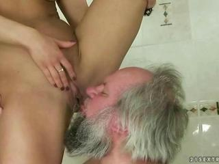 Teen punishing fucking and peeing on grandpa Sexual intercourse Tubes