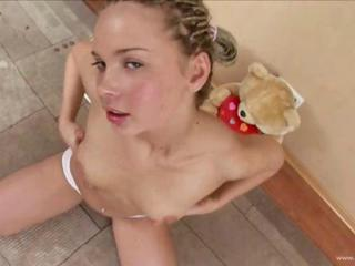 Mariana polish getting meaningless with dildo